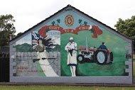 Fig 81 Women and guns, Drumtara, Ballymena, 2005